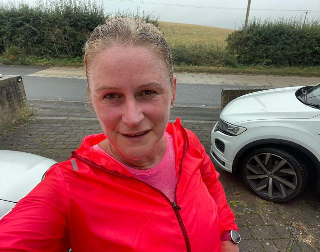 Raining.  • Colder. • Getting dark 😢 • I got back into the habit of running again.  • So I'm trying to keep it up, even when I'm not in the mood. 🏃🏻♀️  • Even if it's just a short run!  • Even if it's a slow run.  • This is the same sort of principle as saving.  • A little is better than none at all.  • Keeping up the routine, sticking to the habit: your savings will grow.  • Slowly but surely.  • Just like getting fitter. You don't realise it's happening but one day, it'll all fit into place 👊  #swiftmortgages #swiftmortgagesandfinance #saving #deposit #firstimebuyer #savings #running #runnersofinstagram #keepgoing #keepitup #thisgirlcan